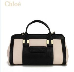 chloe-300x289